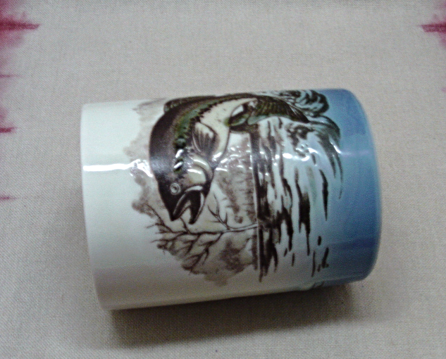 Vintage OTAGIRI JAPAN Raised Glaze TROUT Fish Stoneware Coffee Cup/Mug