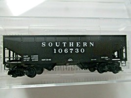 Micro-Trains # 05500590 Southern 33' Twin Bay Hopper Offset Sides N-Scale image 1