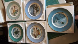 1976 - !980 Avon Christmas Collector Plates with Boxes - $6.43