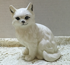 Vintage Persian Cat White Long Haired Cat Figurine Ceramic Kitty Handpai... - $5.50