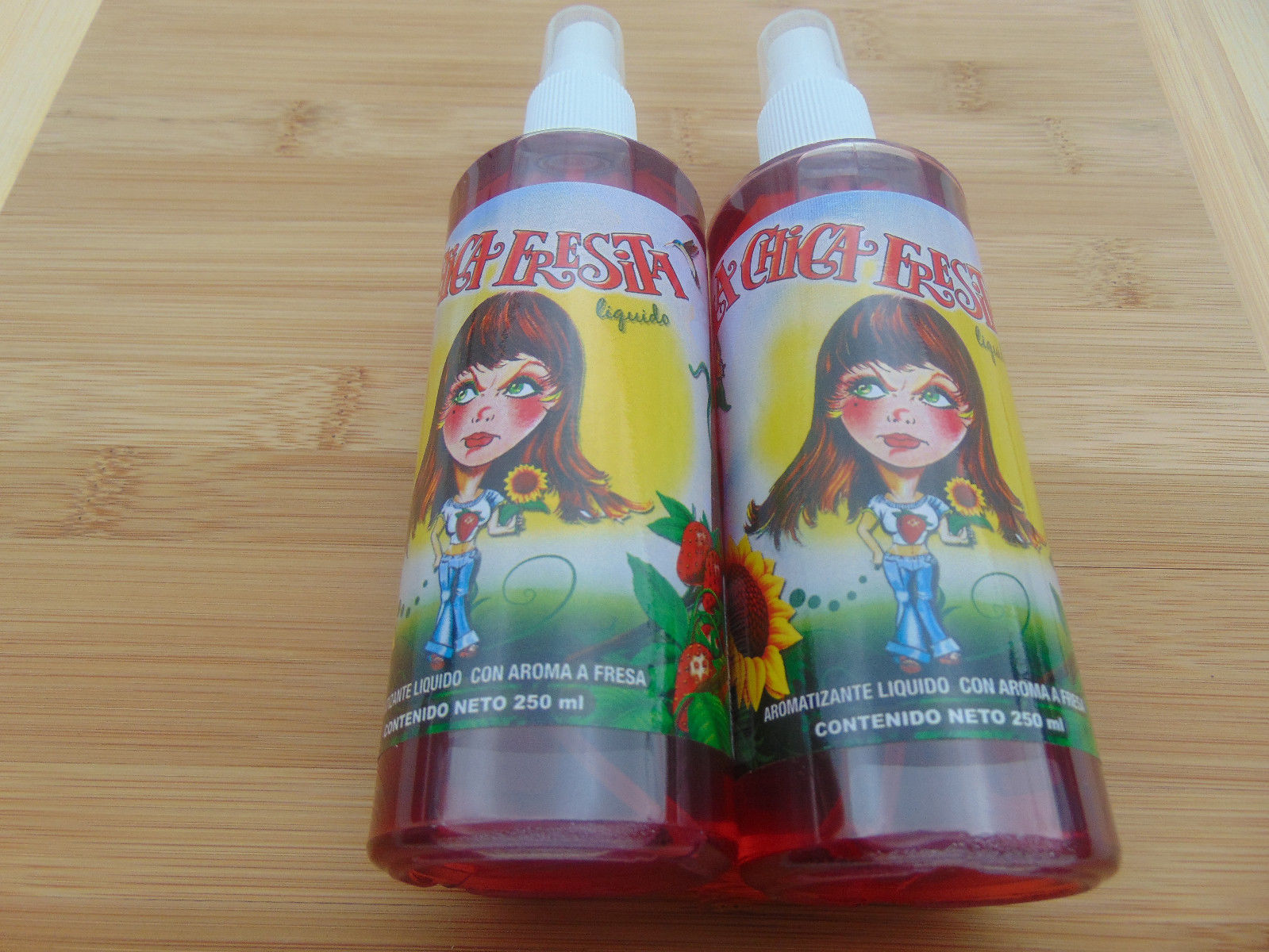 LA CHICA FRESITA Air Freshener Spray Liquido/Liquid 250MI Strawberry Scent 2pcs