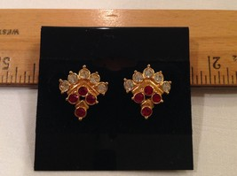 Triangle Berry Red White Rhinestones Gold tone Metal Alloy Earrings posts - $14.89