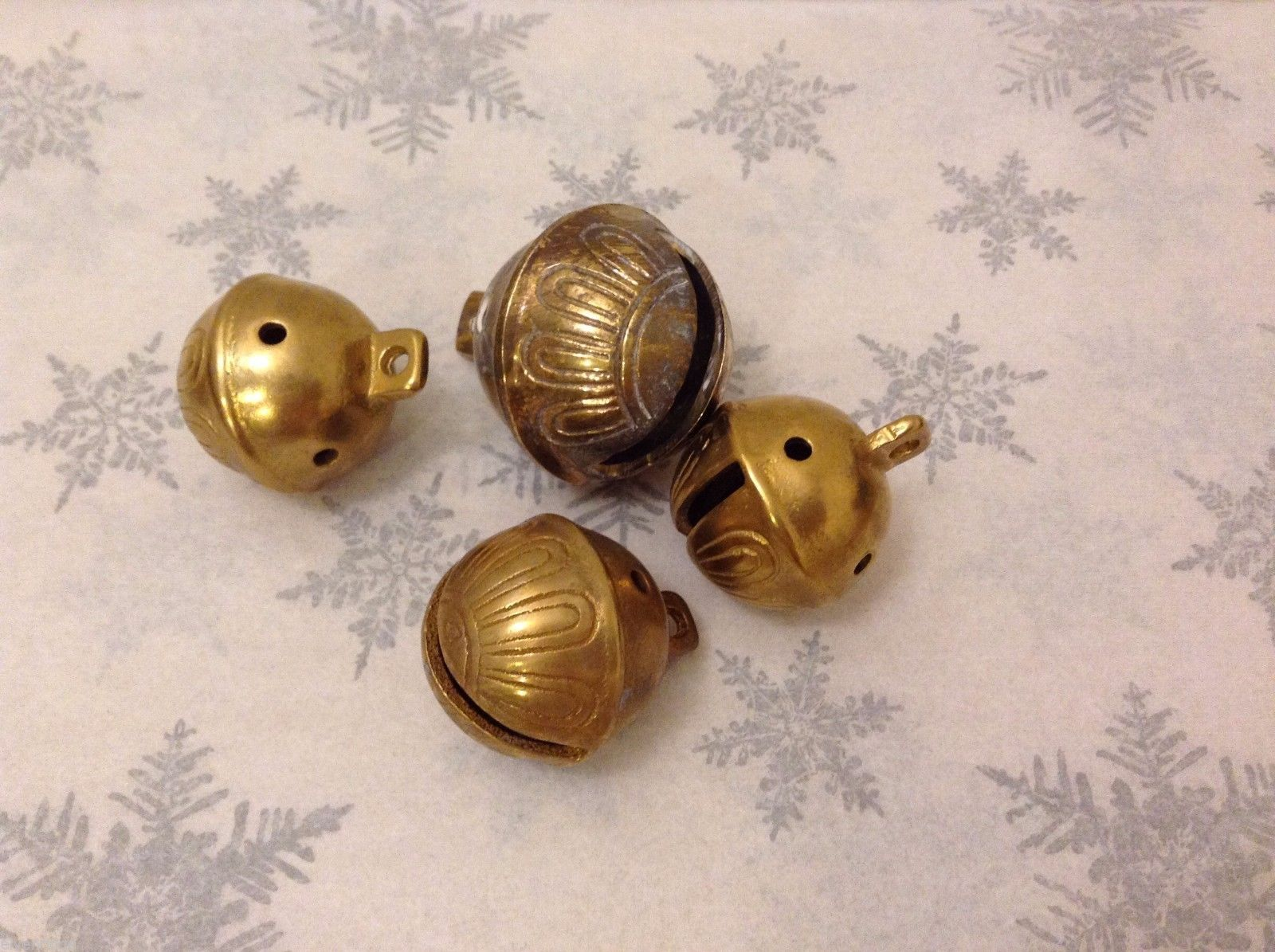 Polar Gold Brass Crappy Santa Sleigh bells GREAT for Xmas Morning surprise