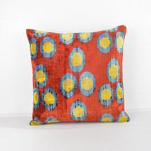 Velvet Ikat Pillow Decorative ıkat pillows  red blue yellow ikat pillow  - $747,86 MXN