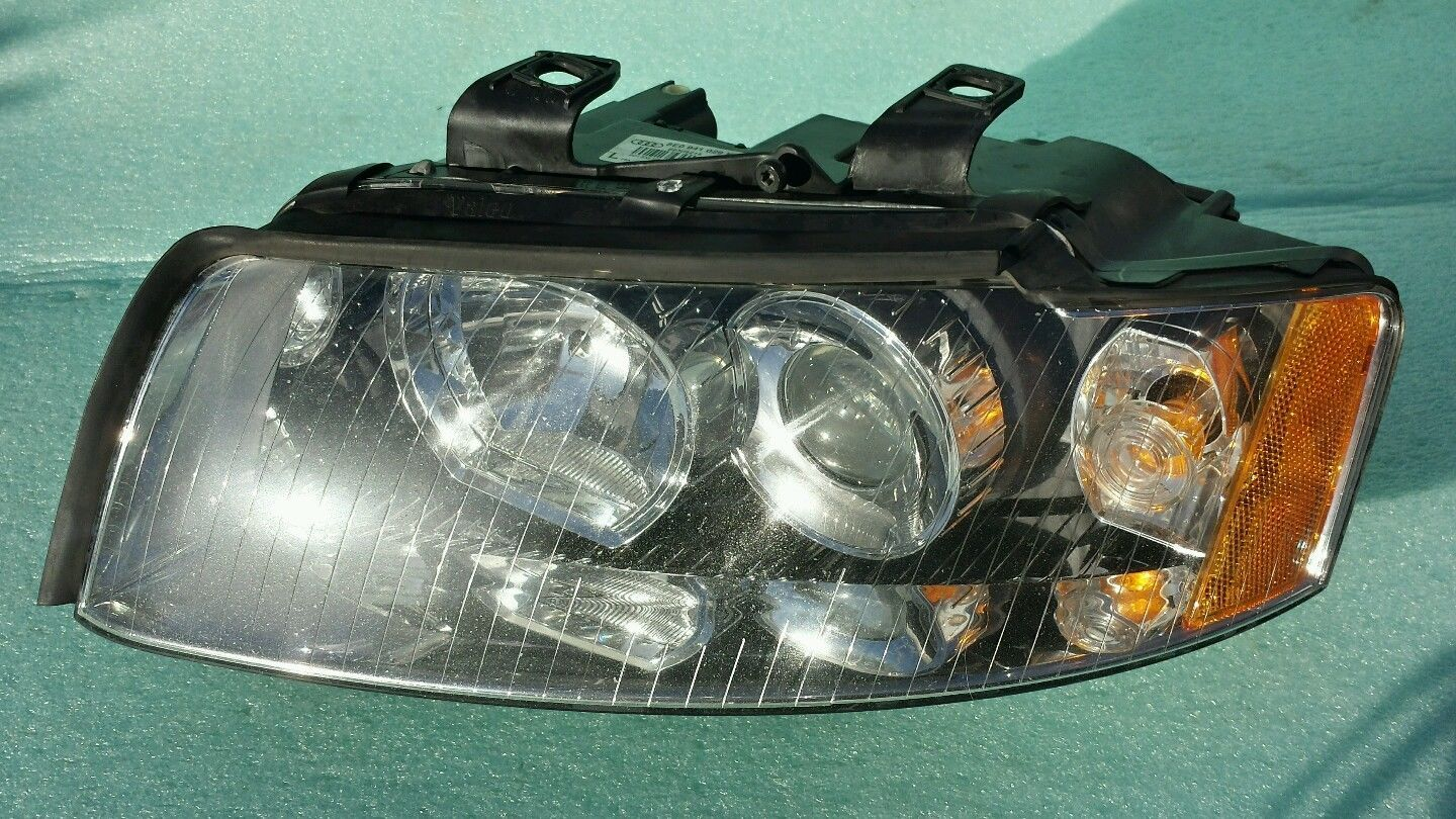 Primary image for 03 04 05 Audi A4 quattro LEFT LH DRIVERS XENON HID HEADLIGHT 8E0 941 029 K