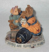 Boyd Bearstone Resin Bears Chief Buckley With Jennifer Figurine 1E #227751 - $12.16