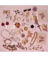 Jewelry lot 34+ pieces Lovely Brooches Pins Bra... - $44.55