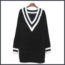 Loose Long Sleeved Knitted Pullover Striped Edge V Neckline Black Sweater image 3
