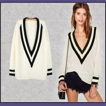 Loose Long Sleeved Knitted Pullover Stripe Edge Deep V Neckline White Sweater  image 3