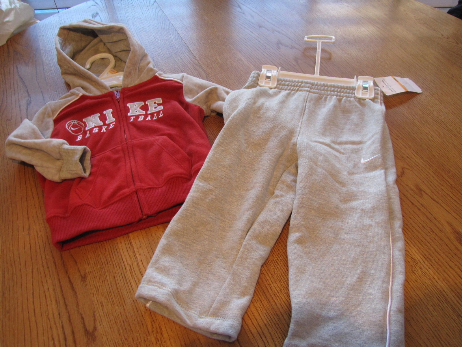 9349069e77b99e S l1600. S l1600. Previous. Boy s Baby Nike hoodie sweat jacket with pants  set red grey 12M months  44 NEW