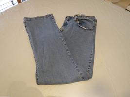 Womens Levi's Levi Strauss & Co.  6 short. 550 Classic Denim jeans pre-o... - $12.11