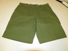 Men's Tommy Hilfiger 34 Classic Fit shorts 317 Moss Green 7871331 casual TH - $29.39