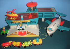 """Vintage Fisher Price #996 Play Family Airport """"RESERVED FOR NATASCHA"""" image 5"""
