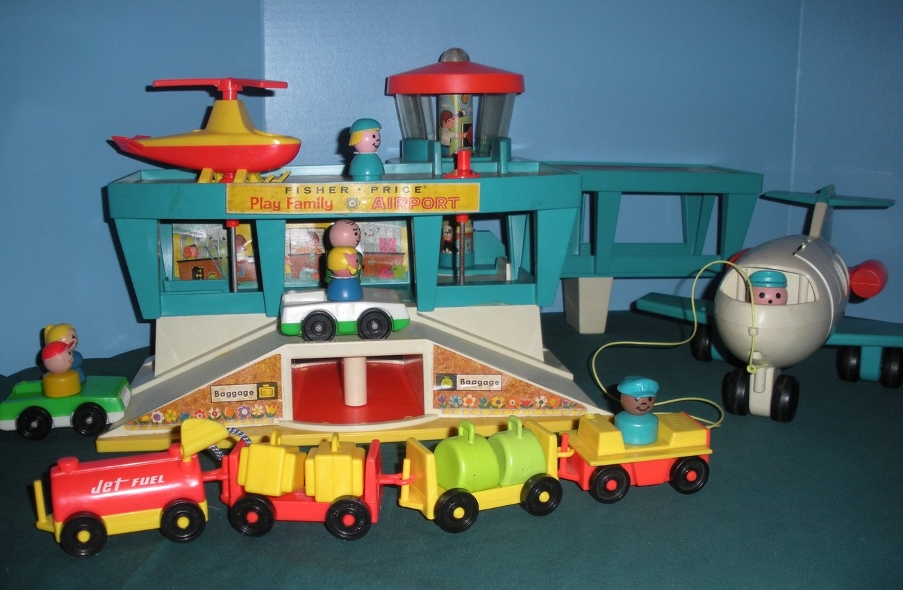 """Vintage Fisher Price #996 Play Family Airport """"RESERVED FOR NATASCHA"""" image 6"""