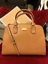 Michael Kors Large Saffiano Leather Tote Nwt Roomy! Acorn Gold Satchel NWT  - $119.00