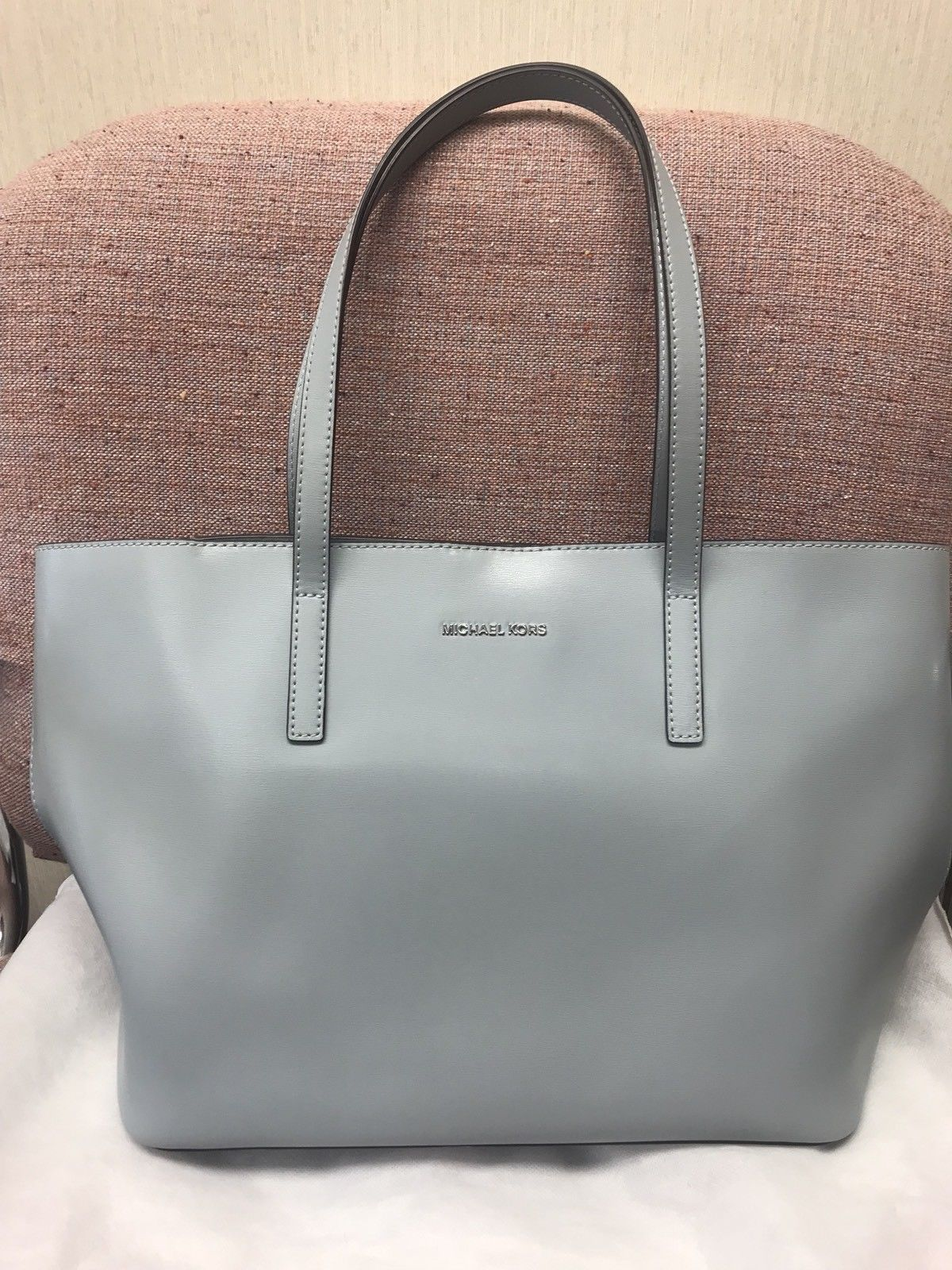 cd60e19eb9f9d3 Euc Michael Kors Emry Medium Large Leather and 50 similar items. S l1600