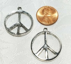 PEACE SIGN FINE PEWTER PENDANT CHARM 3x28x24mm image 2