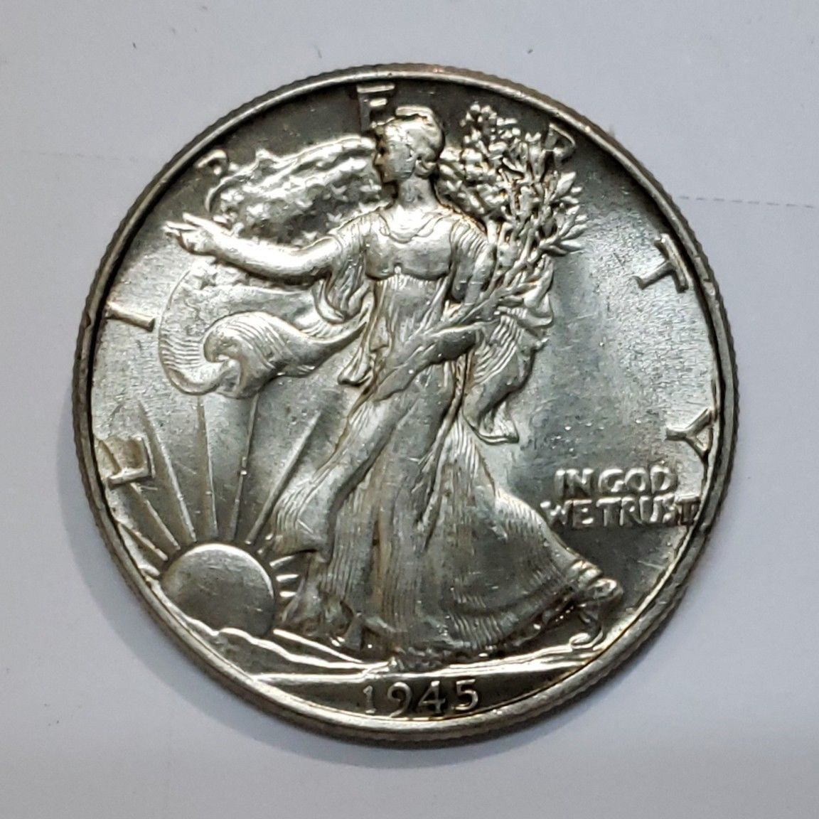 1945 Walking Liberty Half Dollar 90% Silver Coin Lot# E 181