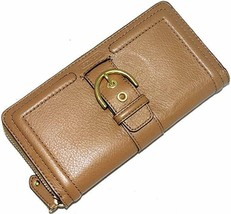 Coach Campbell Leather Buckle Wallet Clutch Style #F50011 MSRP: $248.00 - €107,05 EUR