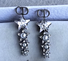 Authentic Christian Dior 2018 LIMITED EDITION CRYSTAL STAR LONG EARRINGS  image 2