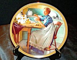 1983 Working in the kitchen by Norman Rockwell with Box ( Knowles ) AA20-CP2167a image 3