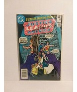 JUSTICE LEAGUE OF AMERICA #202 - SIGNED BY GEORGE PEREZ - FREE SHIPPING! - $18.69