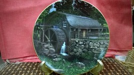 """Knowles Old Mill Stream Collection """"NEW LONDON GRIST MILL"""" PLATE 1990 - $18.00"""