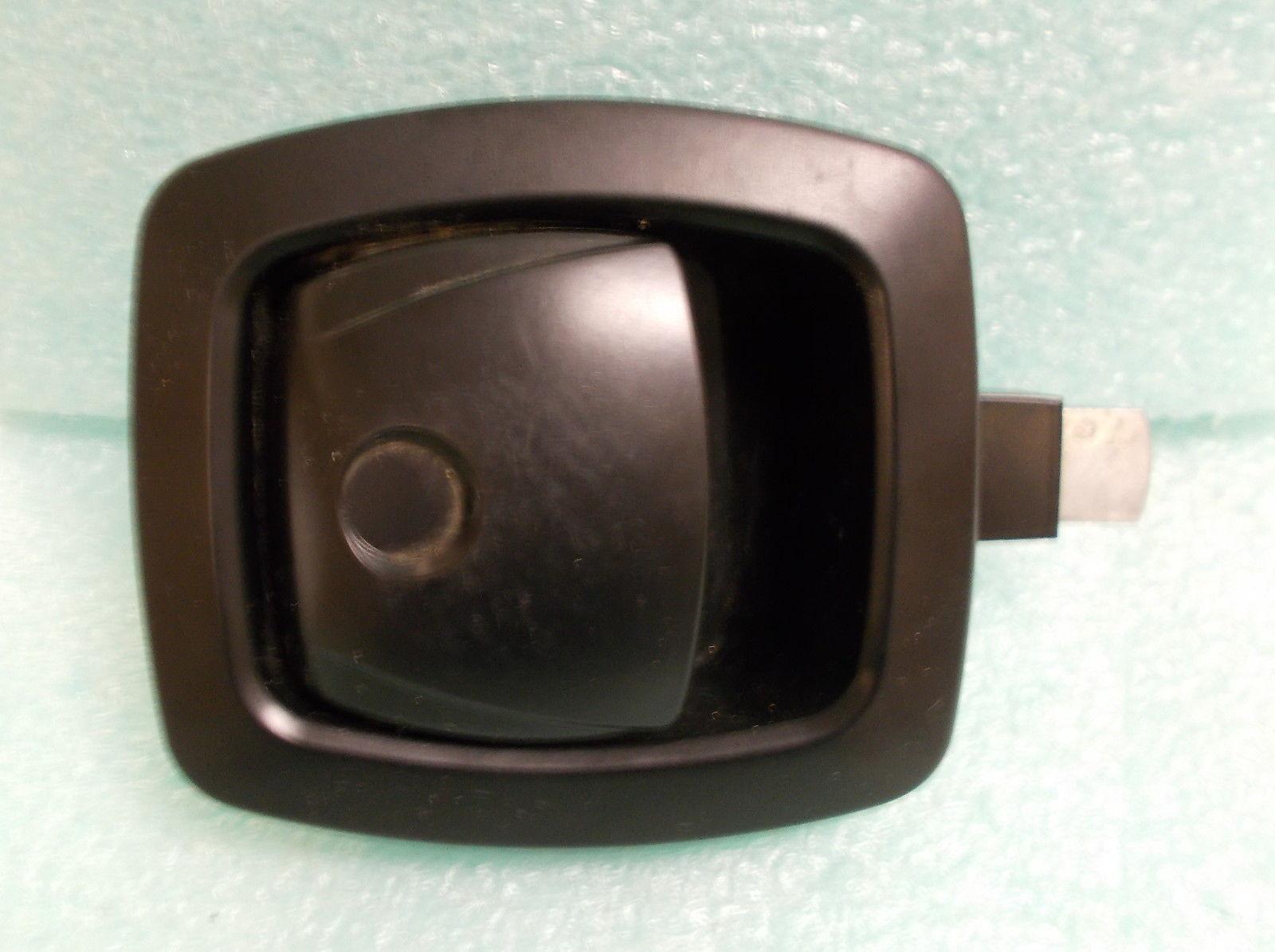 Southco Black Non Locking Push To Open Door Latch #R3 20 300 50  UPC:710534489331