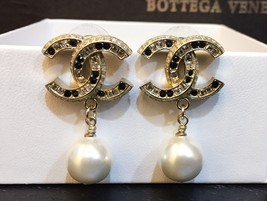 2015 CHANEL GOLD BLACK LARGE CRYSTAL CC PEARL DROP EARRINGS AUTHENTIC image 7