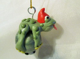 FROG & FLY ORNAMENT polymer clay artdoll decoration green pearl tongue out - $7.91