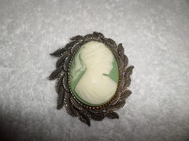 Vintage 1950s-60s Green Costume Large CAMEO PIN PENDANT Silvertone Leaves - $30.00
