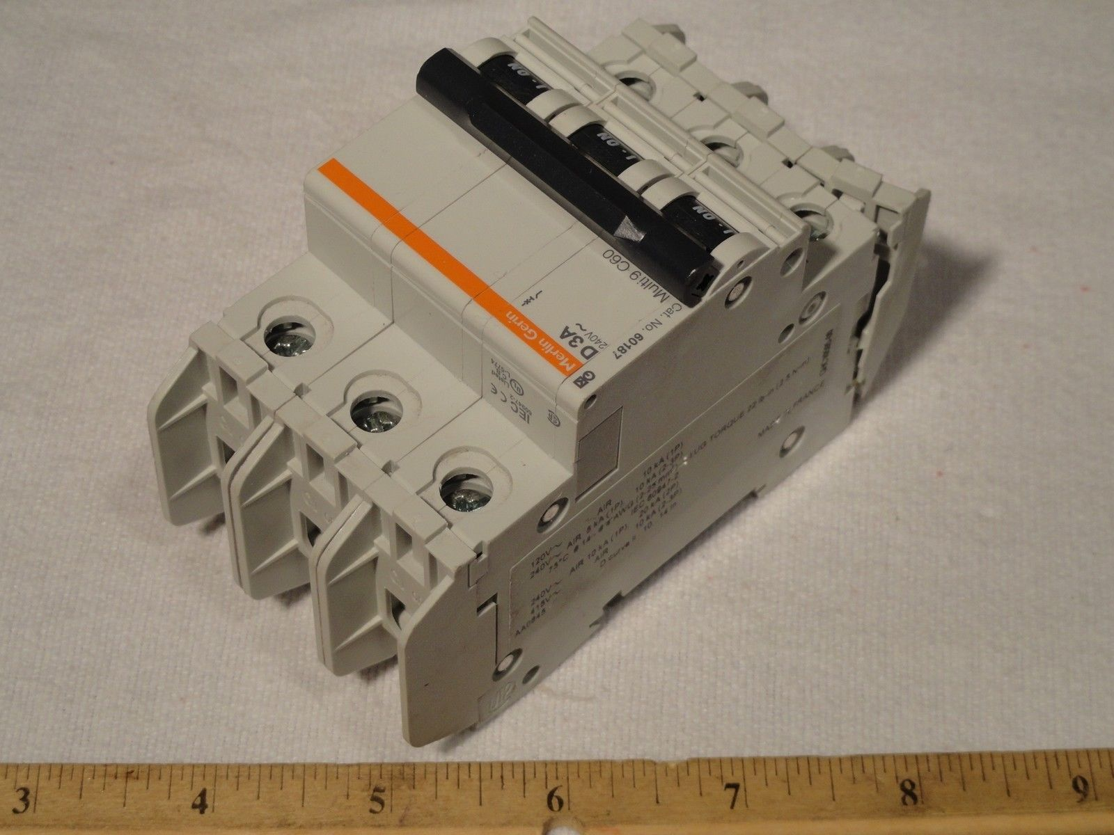 Merlin Gerin 60187 D3a Circuit Breaker 3p And 50 Similar Items Details About Siemens 5sx21 C5 230 400v 5 Amp Pole 3a 120 240v D
