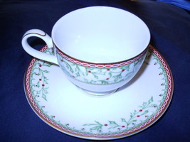 Mikasa Holiday Traditions Set of 2 Cups and Saucers - $9.85