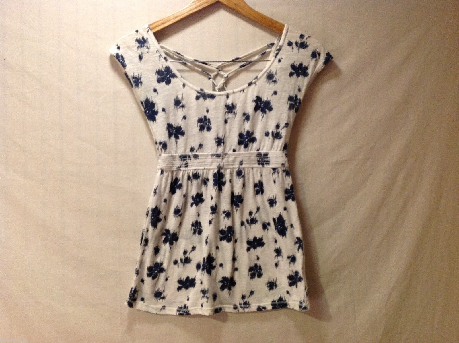 Aeropostale Juniors White and Blue Top, size S