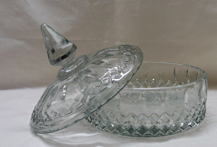 Vintage INDIANA GLASS Clear Pressed Glass Candy Dish with Lid