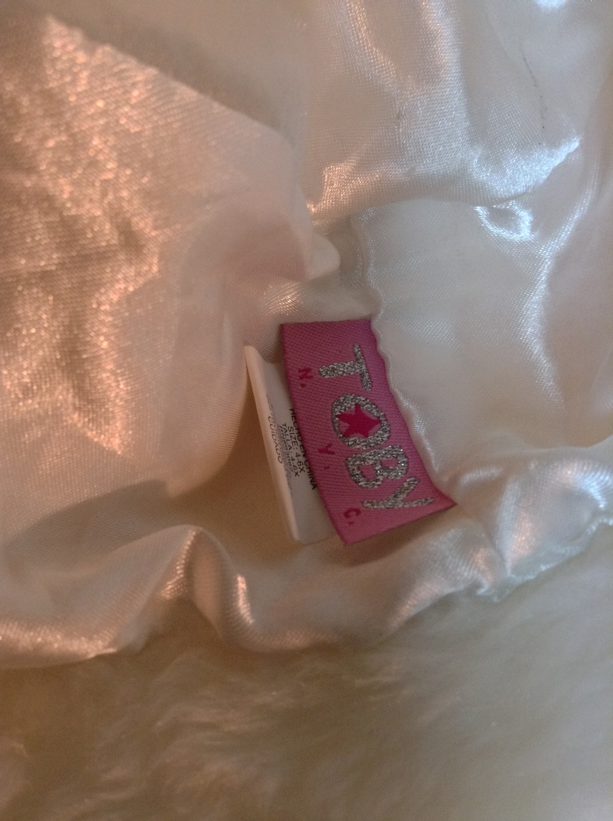 Girl's Toby NY Faux Fur White Hat Pink Bow NWOT Size 4-6