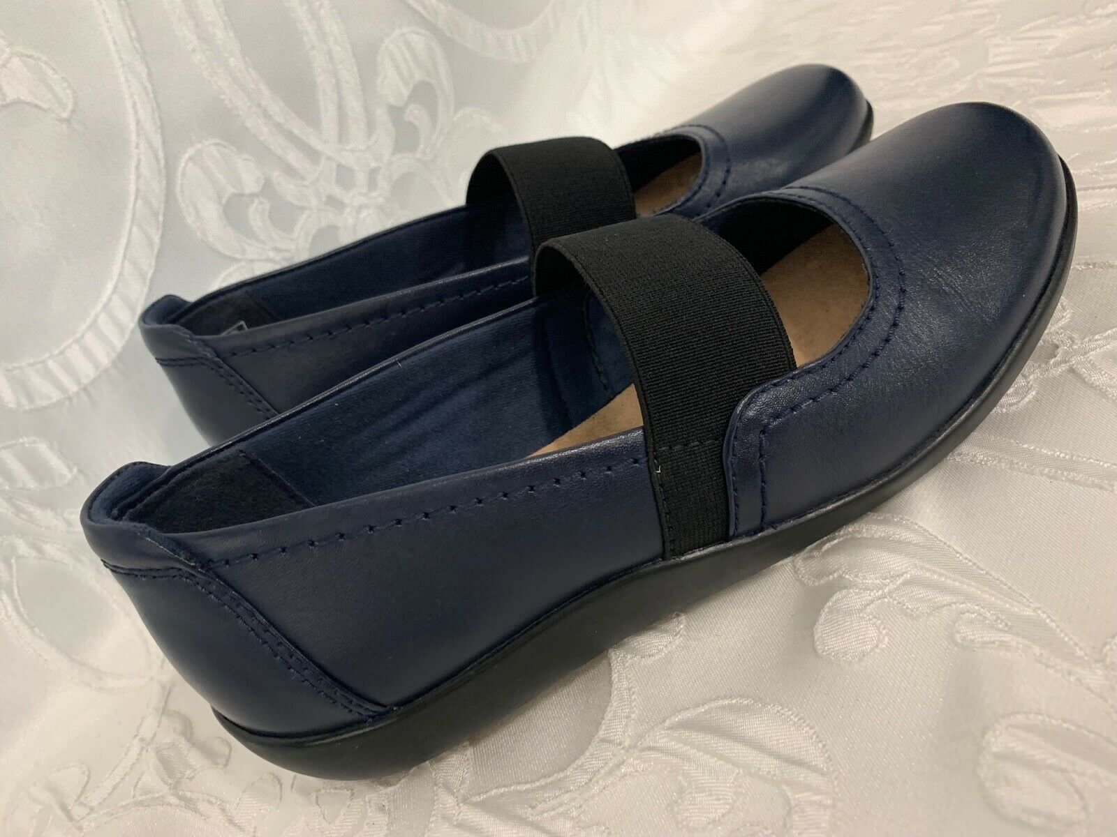 Womens CLARKS Collection Mary Jane Shoes Soft Cushion Navy Blue Size 6.5 NICE