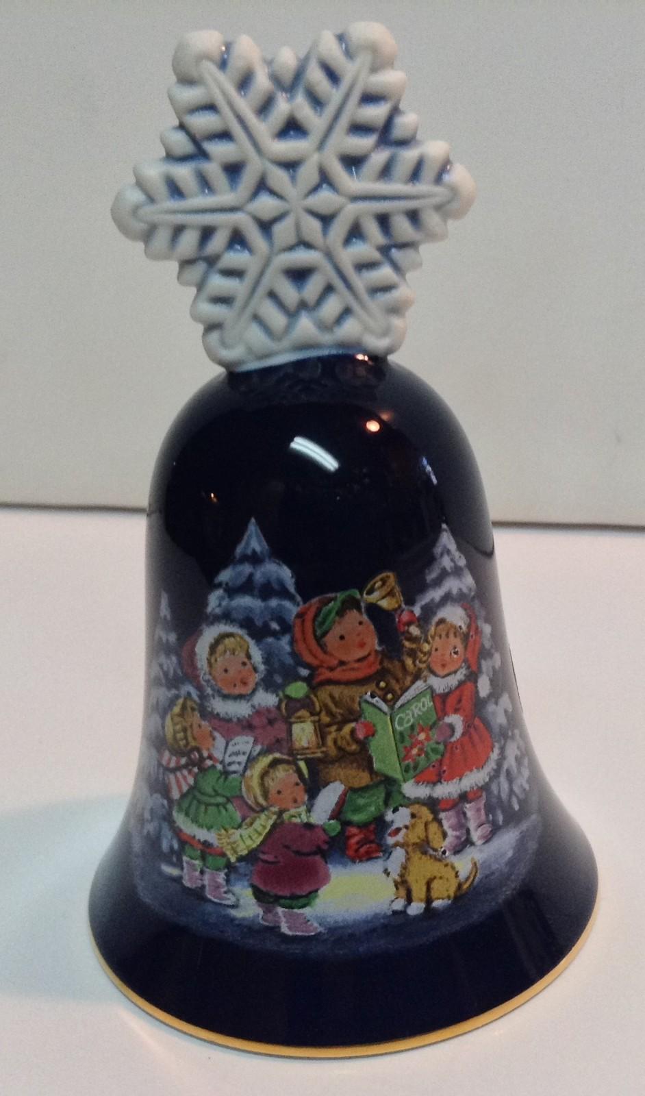 Avon Christmas Bell 1987 Porcelain Children Caroling