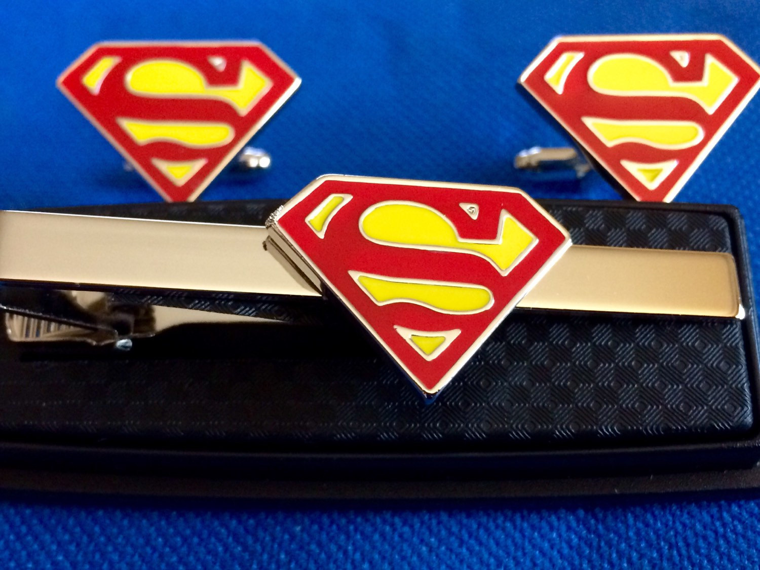 superman tie clip with matching cufflinks tie clasps tacks