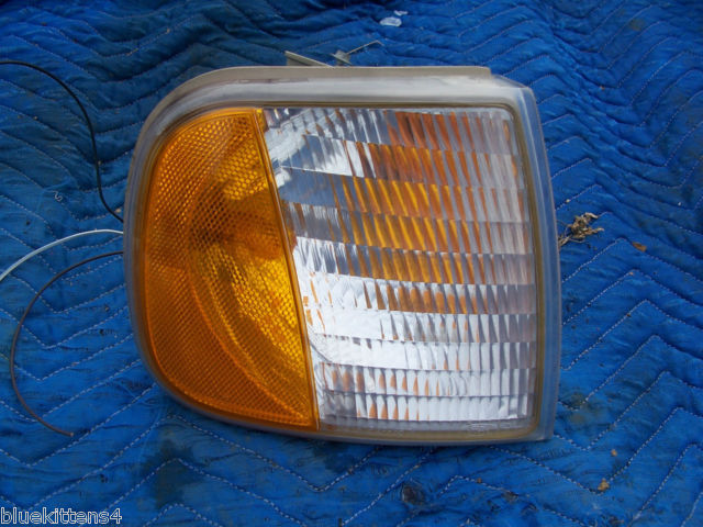 Primary image for 2001 EXPEDITION RIGHT MARKER CORNER SIGNAL LIGHT F150 OEM USED ORIGINAL FORD PRT
