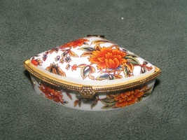 Hand Painted Porcelain Ring Trinket Box Free Shipping - $15.00