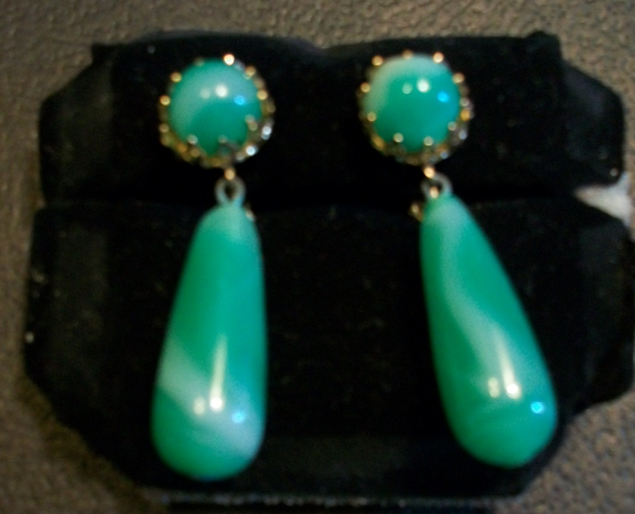 Gorgeous Vintage Jade Lucite Swirled Dangle Clip-on Earrings by Vogue Jewelry