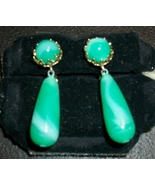 Gorgeous Vintage Jade Lucite Swirled Dangle Clip-on Earrings by Vogue Je... - $19.00