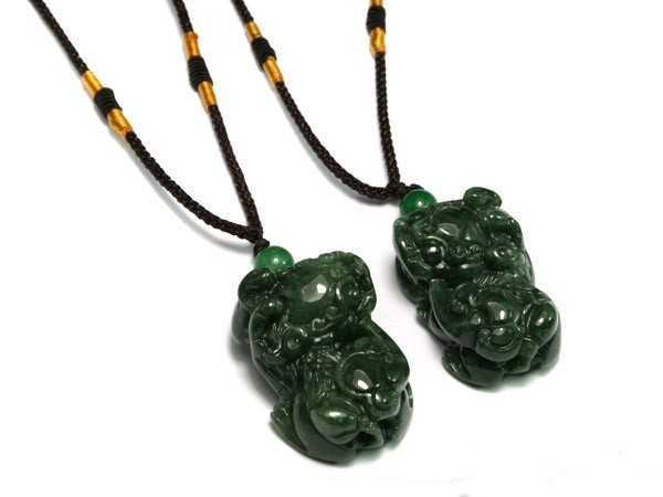 Free Shipping  - good luck  Genuine Natural oil Green Jadeite Jade  '' Pi Yao ''