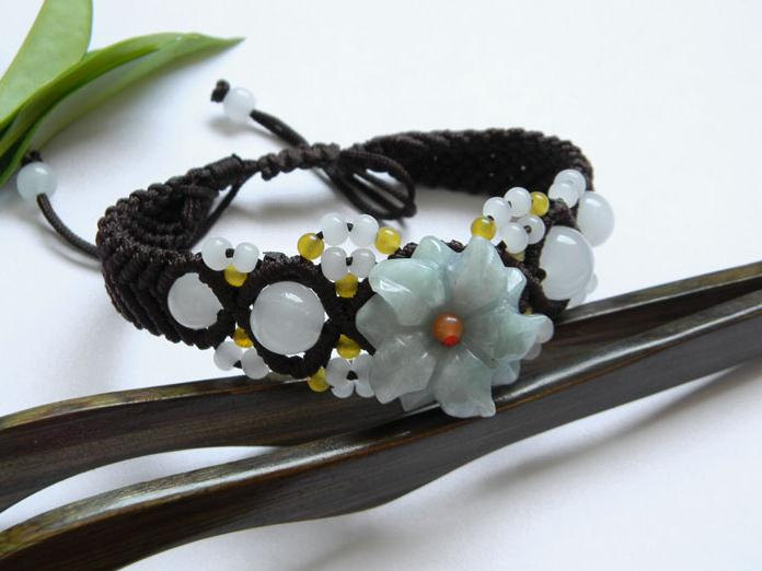 Free Shipping - Handcrafted natural light green  jade carved Flower charm Bracel