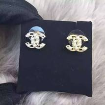 AUTHENTIC Chanel White Pearl GOLD PLATED CC LOGO Stud Post EARRINGS  image 2