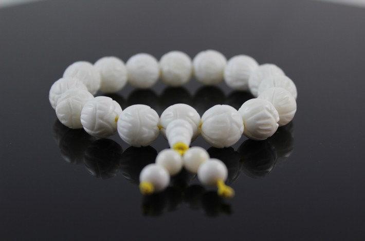 Free Shipping -  good luck  Natural white Tridacna Shell Lotus Prayer Beads char