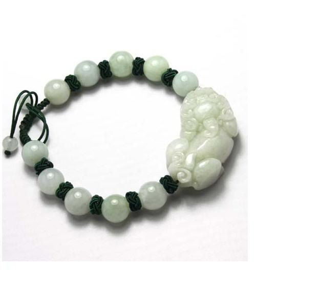 good luck Amulet Handcrafted natural green jade  '' PI YAO'' bracelet