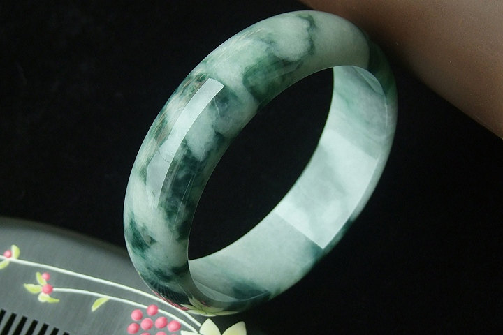 Free Shipping -   Custom size diameter ( 54MM -60 MM )  Natural dark Green Grade