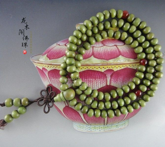 Free Shipping - Tibetan Buddhism  8 mm beads Natural Green sandalwood Mala with